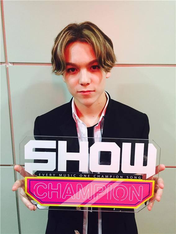 [OFFICIAL] 150917 MBC Plus Update 쇼챔피언 #세븐틴 #만세 8