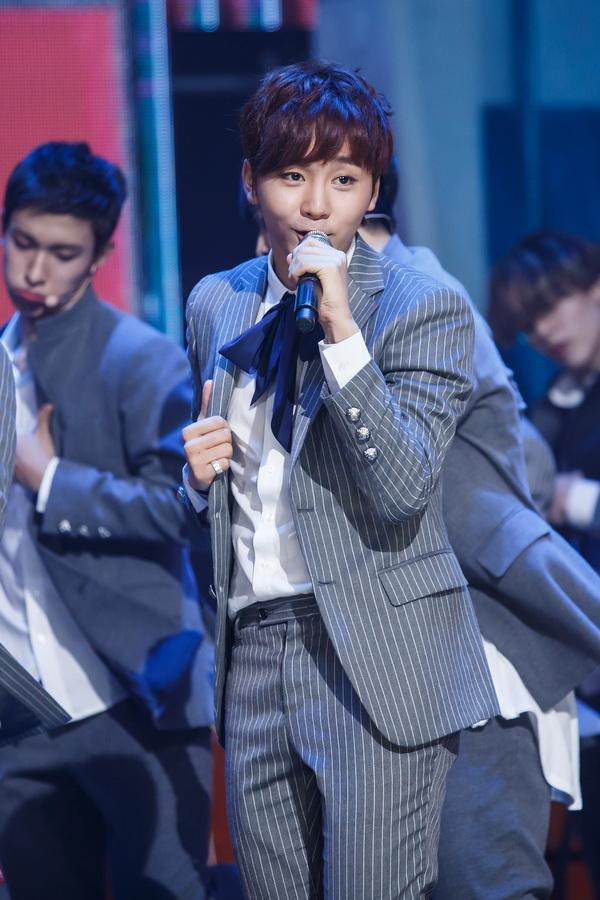 [OFFICIAL] Mnet America Update 150910 M Countdown #Seventeen - Rock + #Mansae #세븐틴 #만세 21