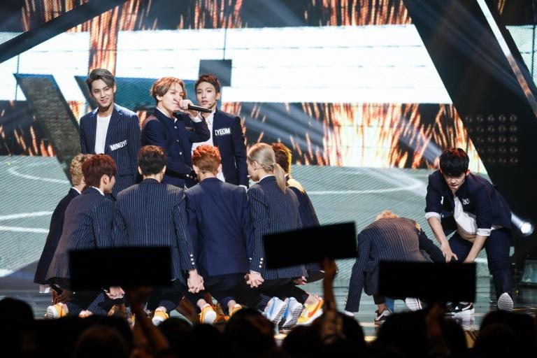 [OFFICIAL] Mnet America Update 150917 M Countdown #Seventeen – #Mansae #세븐틴 #만세 2