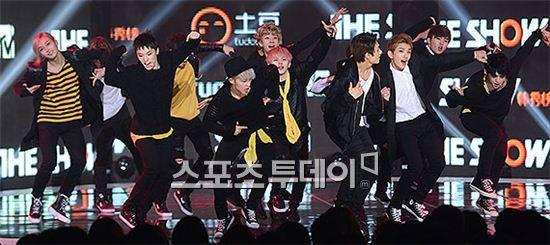[PRESS] 150915 Seventeen at SBS MTV The Show @SBS_MTV #만세 #세븐틴 #더쇼 14