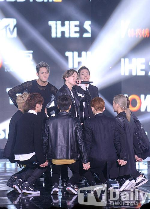[PRESS] 150915 Seventeen at SBS MTV The Show @SBS_MTV #만세 #세븐틴 #더쇼16