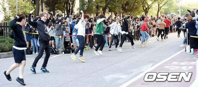[PRESS] 150918 Seventeen heading to KBS Music Bank Rehearsal 12