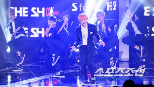 [PRESS] 150922 Seventeen at SBS MTV The Show @SBS_MTV #만세 #세븐틴 #더쇼 11