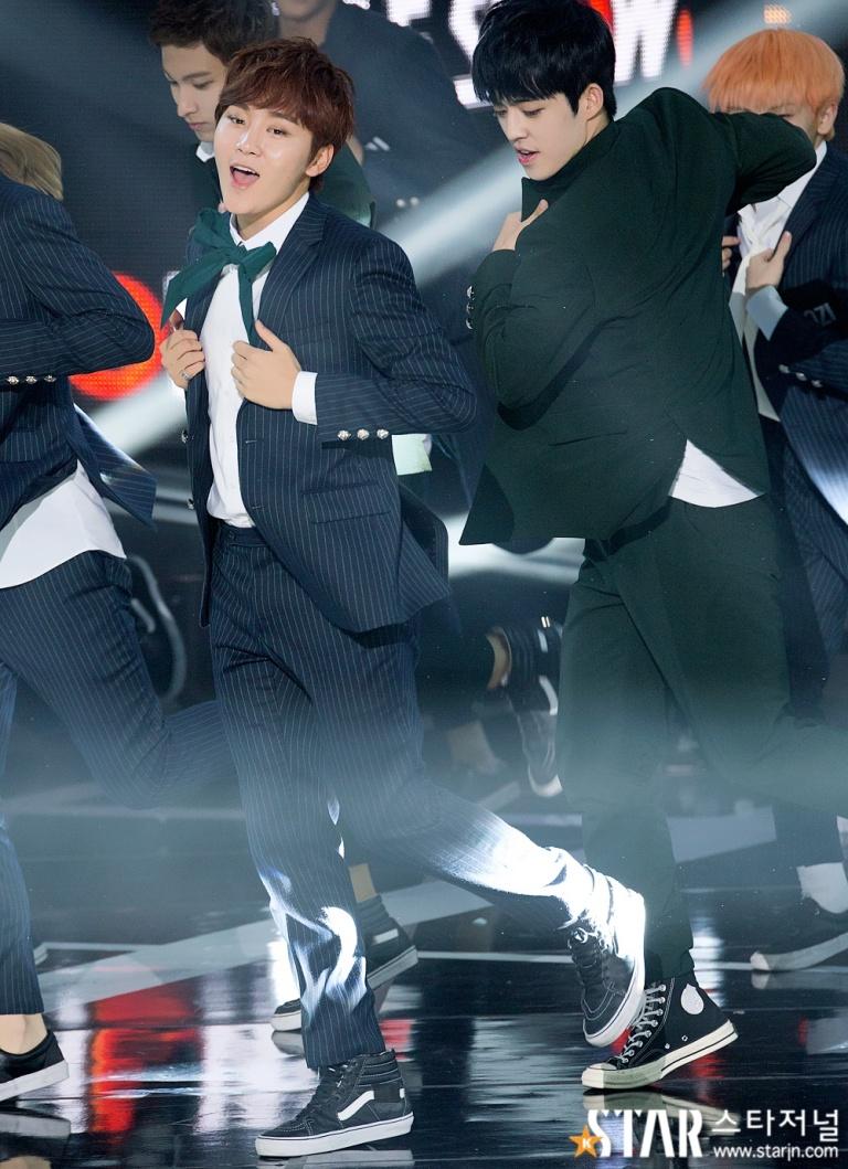 [PRESS] 150922 Seventeen at SBS MTV The Show @SBS_MTV #만세 #세븐틴 #더쇼 3
