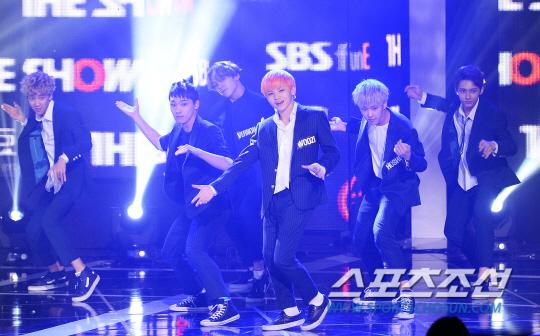 [PRESS] 150922 Seventeen at SBS MTV The Show @SBS_MTV #만세 #세븐틴 #더쇼 6