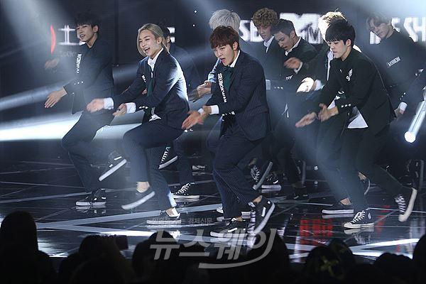 [PRESS] 150922 Seventeen at SBS MTV The Show @SBS_MTV #만세 #세븐틴 #더쇼 7