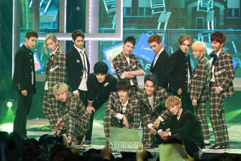 [PRESS] 150923 Seventeen at MBC Show Champion #세븐틴 #만세 1