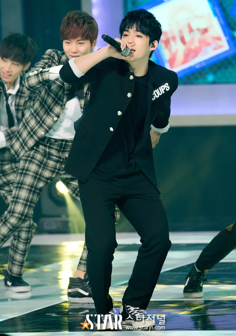[PRESS] 150923 Seventeen at MBC Show Champion #세븐틴 #만세 17