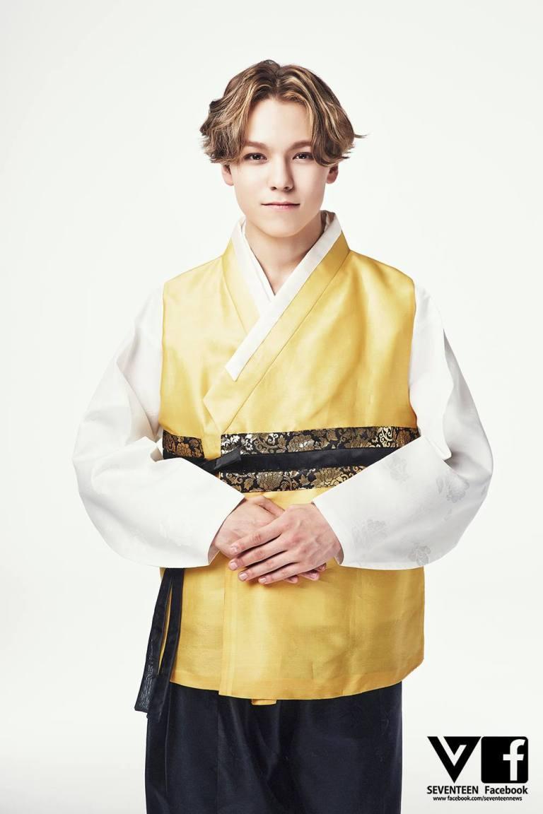 [SEVENTEEN SPECIAL PIC] 즐거운 추석 되세요! Happy CHUSEOK! 中秋节快乐! #SEVENTEEN #MANSAE 12