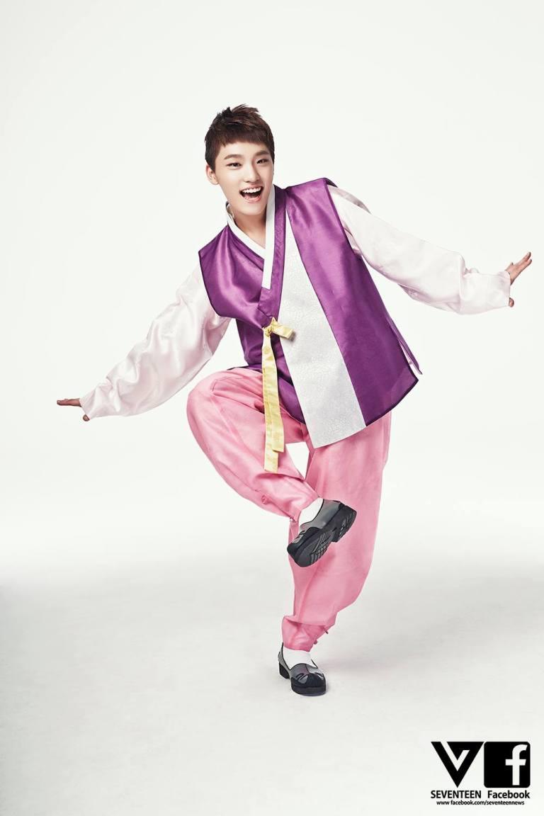 [SEVENTEEN SPECIAL PIC] 즐거운 추석 되세요! Happy CHUSEOK! 中秋节快乐! #SEVENTEEN #MANSAE 13