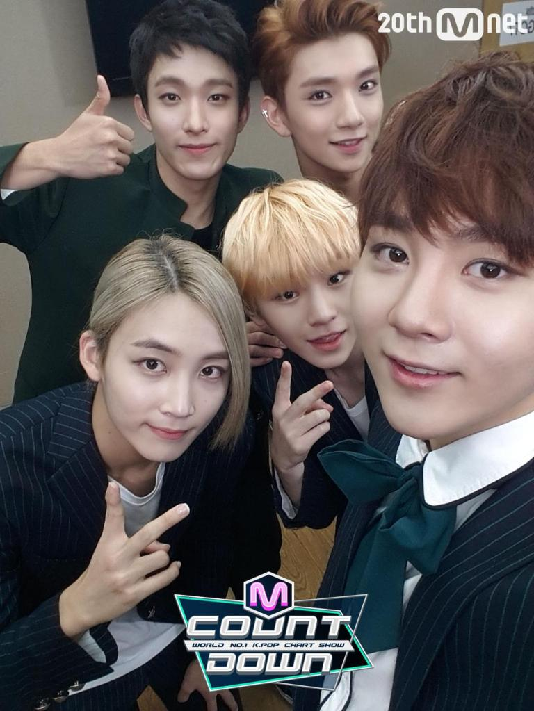 [OFFICIAL] 151001 MCOUNTDOWN Twitter Update #세븐틴 #만세 2