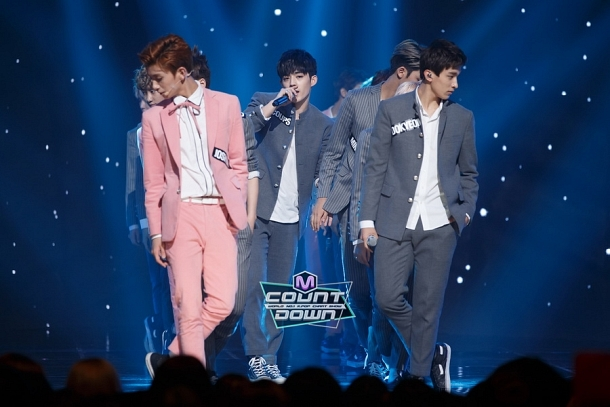 [OFFICIAL] 151012 MCountdown Update 11P #SEVENTEEN #MANSAE #만세 #세븐틴 6