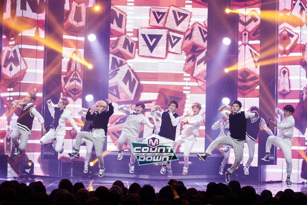 [OFFICIAL] 151020 MCountdown Update 15P #SEVENTEEN #MANSAE #만세 #세븐틴 8
