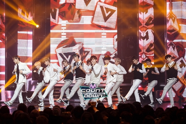[OFFICIAL] 151020 MCountdown Update 15P #SEVENTEEN #MANSAE #만세 #세븐틴 9
