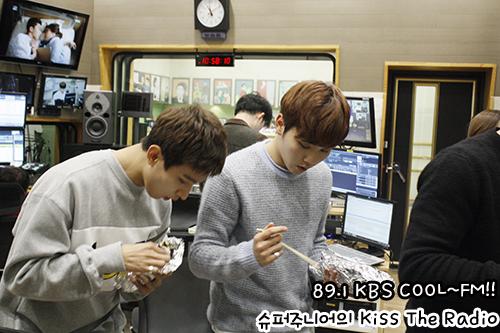 [OFFICIAL] 151029 KBS Kiss The Radio Update (Sukira) w Seventeen's DK and Seungkwan 9P #세븐틴 #도겸 #승관 4