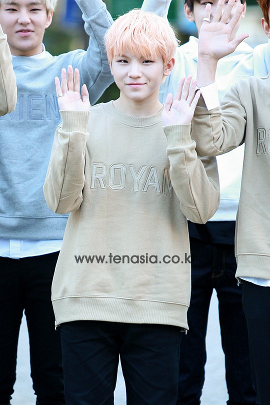 [PRESS] 151002 Seventeen heading to KBS Music Bank Rehearsal #세븐틴 #만세 13