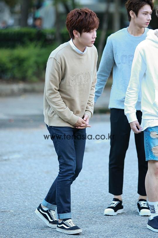[PRESS] 151002 Seventeen heading to KBS Music Bank Rehearsal #세븐틴 #만세 17
