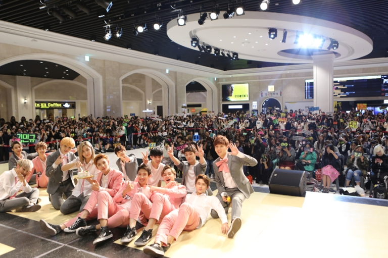 [PRESS] 151005 Seventeen's 2nd Mini Album 'Boys Be' Fanmeet #세븐틴 #만세