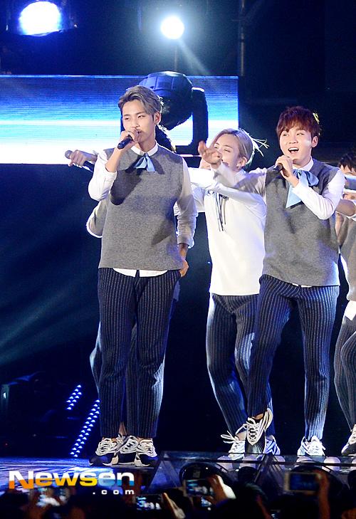 [PRESS] 151006 Seventeen at SBS MTV The Show 18P @SBS_MTV #만세 #세븐틴 #더쇼 10