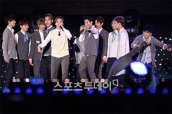 [PRESS] 151006 Seventeen at SBS MTV The Show 18P @SBS_MTV #만세 #세븐틴 #더쇼 12