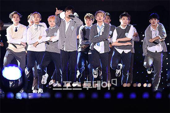 [PRESS] 151006 Seventeen at SBS MTV The Show 18P @SBS_MTV #만세 #세븐틴 #더쇼 13