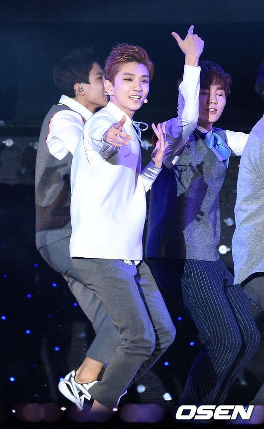 [PRESS] 151006 Seventeen at SBS MTV The Show 18P @SBS_MTV #만세 #세븐틴 #더쇼 22