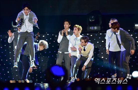 [PRESS] 151006 Seventeen at SBS MTV The Show 18P @SBS_MTV #만세 #세븐틴 #더쇼 23