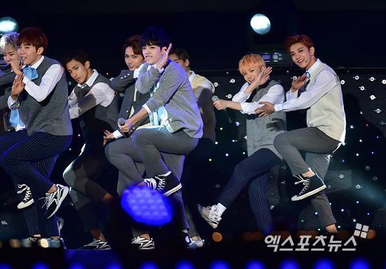 [PRESS] 151006 Seventeen at SBS MTV The Show 18P @SBS_MTV #만세 #세븐틴 #더쇼 28