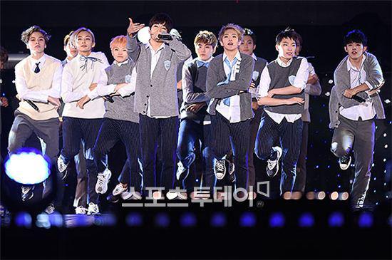 [PRESS] 151006 Seventeen at SBS MTV The Show 18P @SBS_MTV #만세 #세븐틴 #더쇼 30