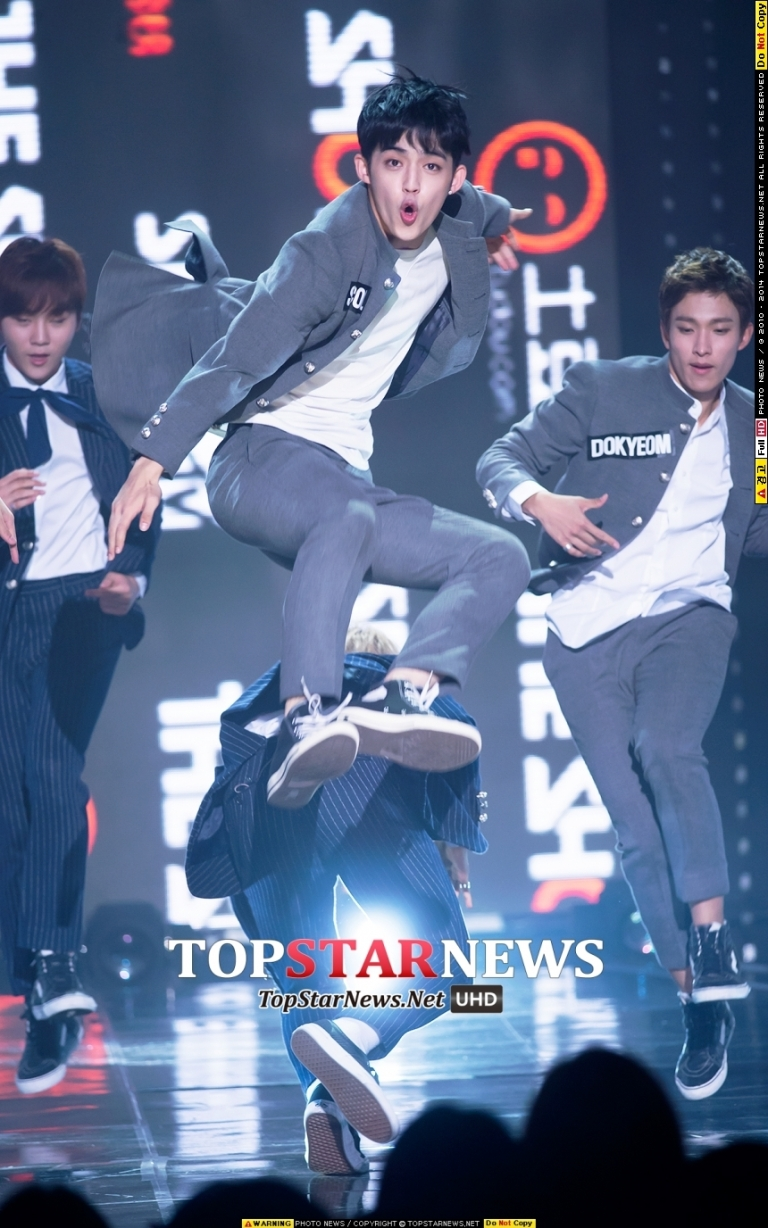 [PRESS] 151012 Seventeen at SBS MTV The Show 35P @SBS_MTV #만세 #세븐틴 #더쇼 11