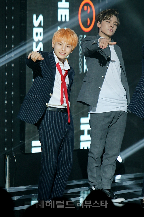 [PRESS] 151012 Seventeen at SBS MTV The Show 35P @SBS_MTV #만세 #세븐틴 #더쇼 12
