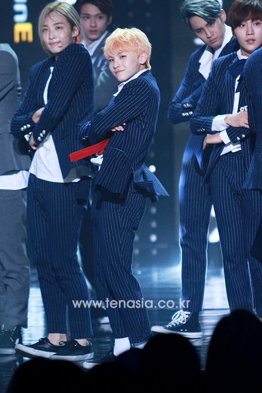 [PRESS] 151012 Seventeen at SBS MTV The Show 35P @SBS_MTV #만세 #세븐틴 #더쇼 21