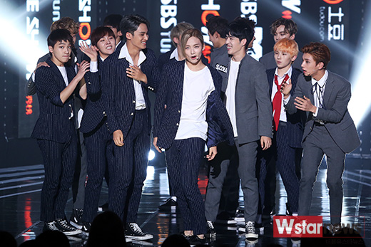 [PRESS] 151012 Seventeen at SBS MTV The Show 35P @SBS_MTV #만세 #세븐틴 #더쇼 30