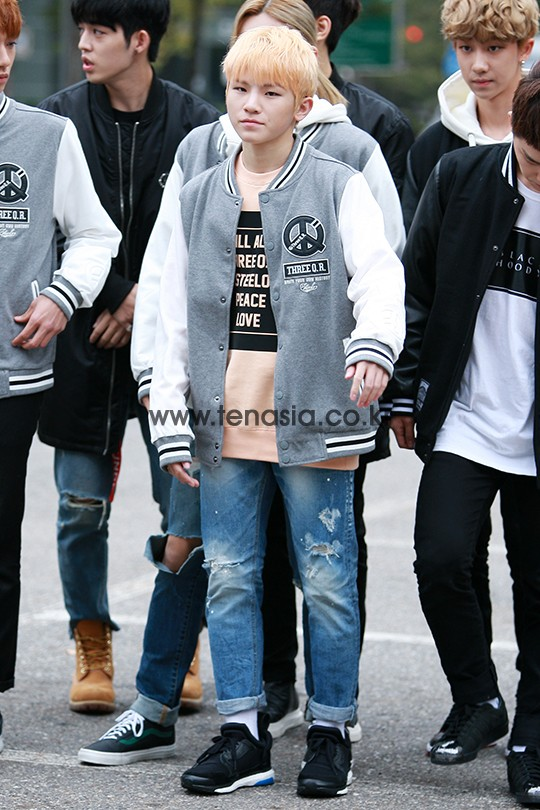 [PRESS] 151023 Seventeen heading to KBS Music Bank Rehearsal #세븐틴 #만세 3