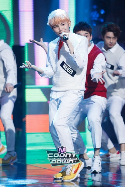 [OFFICIAL] 151109 M!Countdown Update 20P #SEVENTEEN #MANSAE #만세 #세븐틴 13