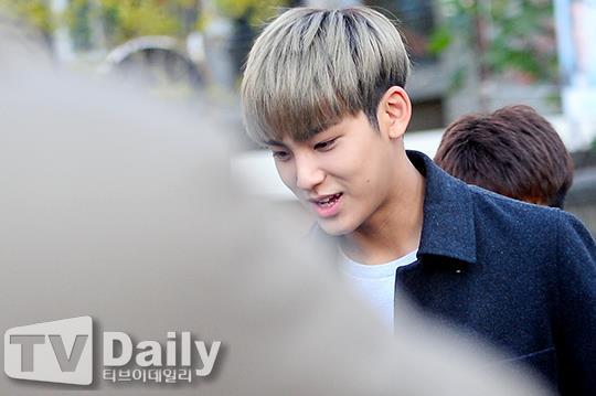 [PRESS] 151112 SEVENTEEN (Mingyu, Seungkwan, Wonwoo, DK) - College Scholastic Ability Test (수능) 41P #세븐틴 (15)