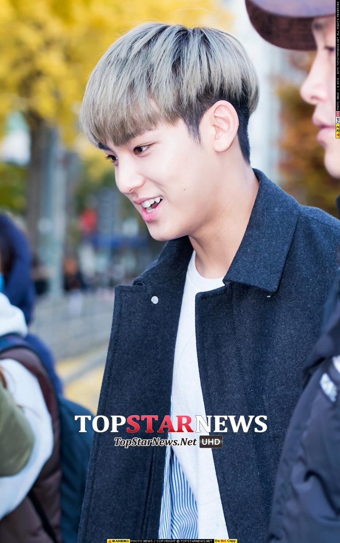 [PRESS] 151112 SEVENTEEN (Mingyu, Seungkwan, Wonwoo, DK) - College Scholastic Ability Test (수능) 41P #세븐틴 (26)