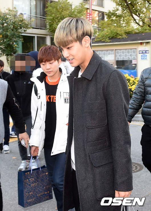 [PRESS] 151112 SEVENTEEN (Mingyu, Seungkwan, Wonwoo, DK) - College Scholastic Ability Test (수능) 41P #세븐틴 (30)