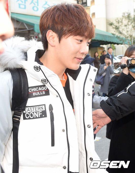 [PRESS] 151112 SEVENTEEN (Mingyu, Seungkwan, Wonwoo, DK) - College Scholastic Ability Test (수능) 41P #세븐틴 (32)