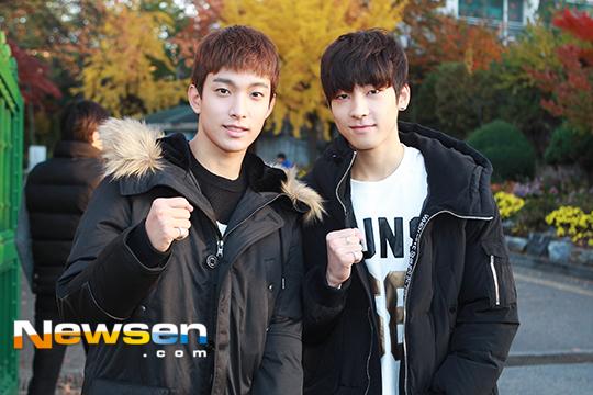 [PRESS] 151112 SEVENTEEN (Mingyu, Seungkwan, Wonwoo, DK) - College Scholastic Ability Test (수능) 41P #세븐틴 (36)