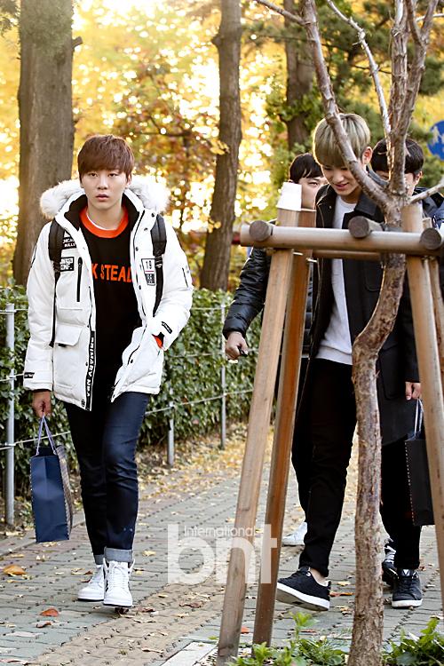 [PRESS] 151112 SEVENTEEN (Mingyu, Seungkwan, Wonwoo, DK) - College Scholastic Ability Test (수능) 41P #세븐틴 (5)