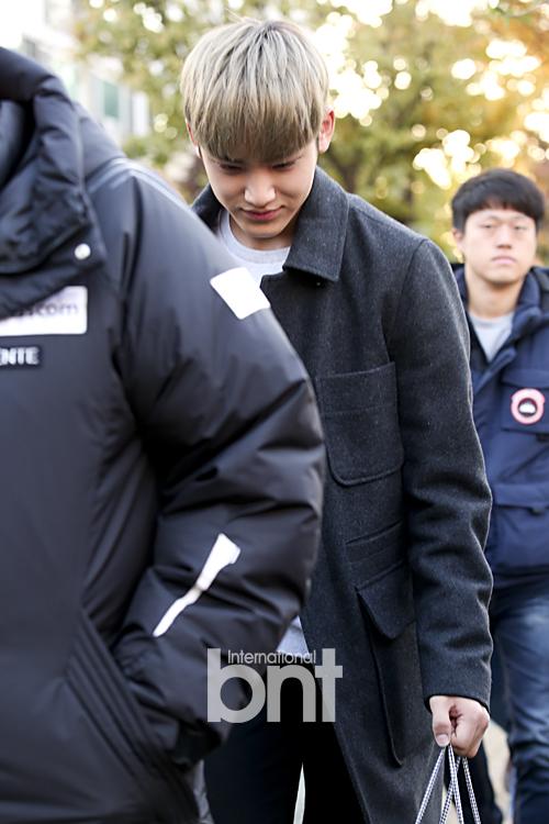 [PRESS] 151112 SEVENTEEN (Mingyu, Seungkwan, Wonwoo, DK) - College Scholastic Ability Test (수능) 41P #세븐틴 (8)