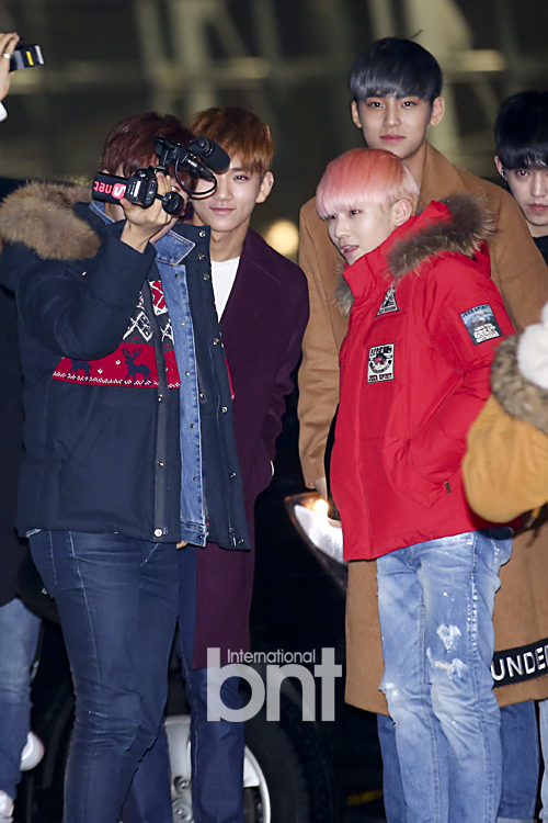 [PRESS] 151129 Seventeen at Incheon International Airport 22P #세븐틴 (1)