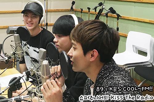 [OFFICIAL] 151217 KBS Kiss The Radio Update (Sukira) w Seventeen's Hoshi, DK and Seungkwan 17P #세븐틴 #호시 #도겸 #승관 (8)