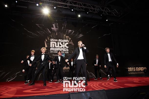[OFFICIAL] Mnet Update 151202 2015 MAMA Red Carpet #SEVENTEEN #세븐틴 (5)