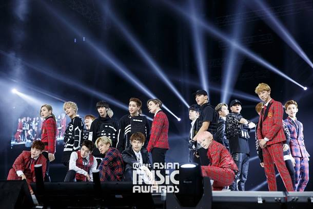 [OFFICIAL] Mnet Update 151202 2015 MAMA Stage #SEVENTEEN #세븐틴 (6)