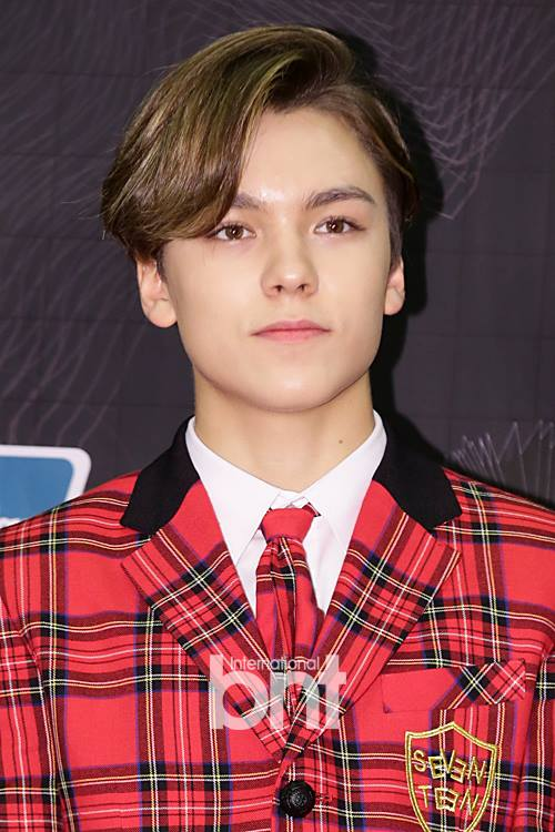 [PRESS] 151202 Seventeen at 2015 MAMA Artist Welcome Meeting #세븐틴 (23)