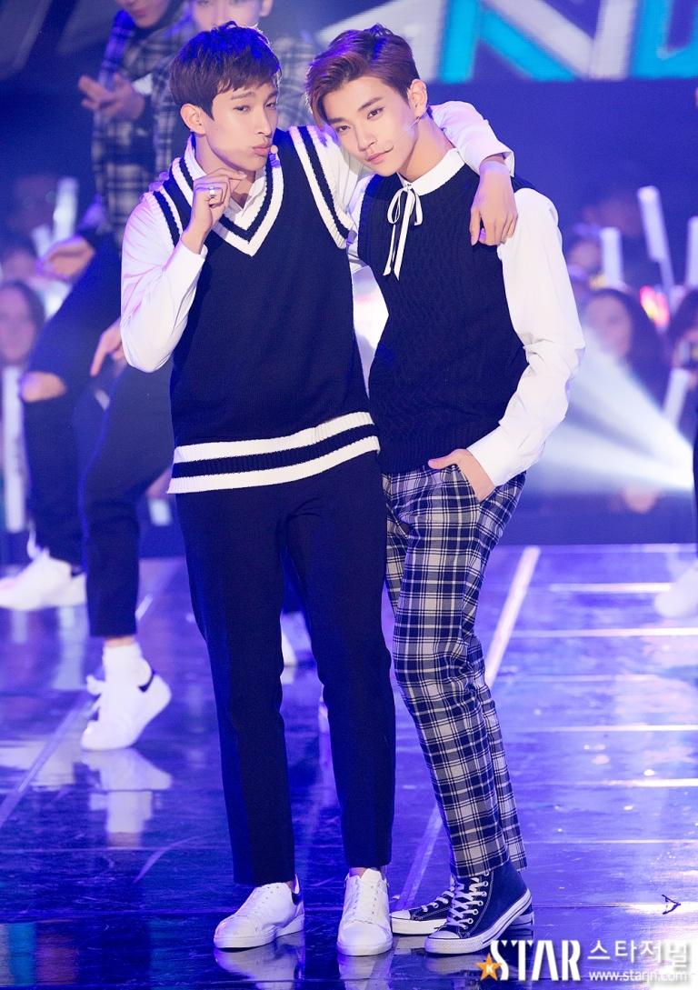 [PRESS] 151208 Seventeen at SBS MTV The Show 54P #세븐틴 #아낀다 #만세 #더쇼 (2)