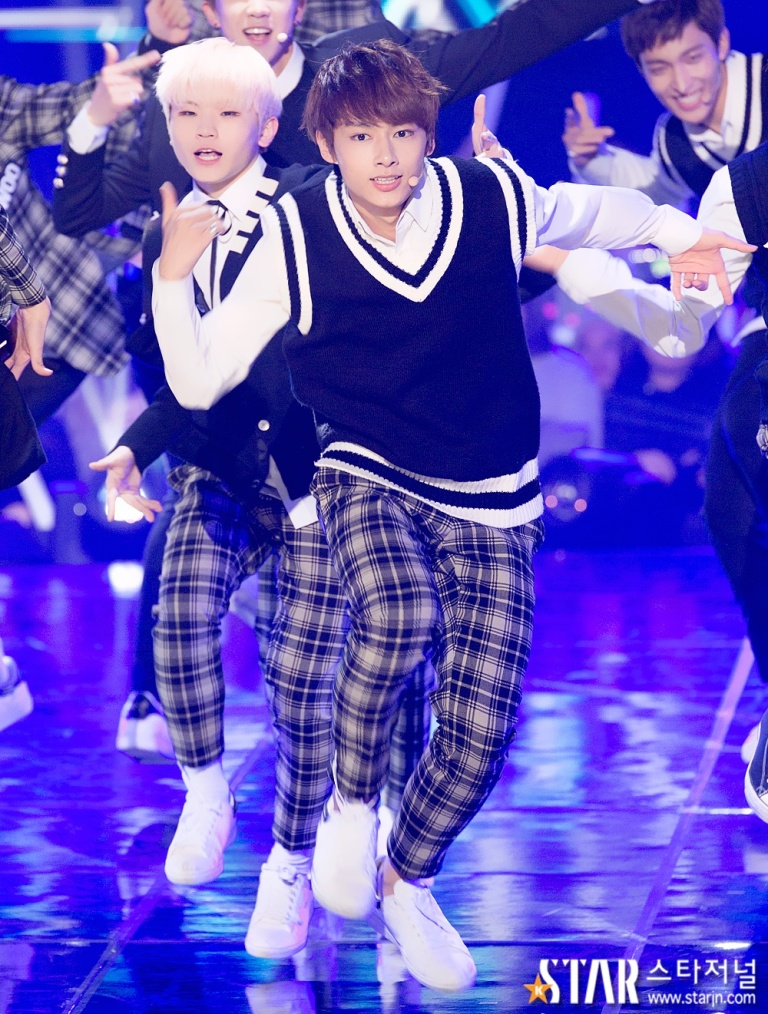 [PRESS] 151208 Seventeen at SBS MTV The Show 54P #세븐틴 #아낀다 #만세 #더쇼 (4)