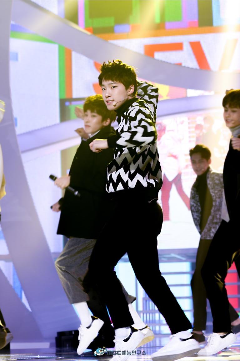 [OFFICIAL] 160102 MBC예능연구소 Twitter Update 25P #세븐틴 #2015MBC가요대제전 (18)